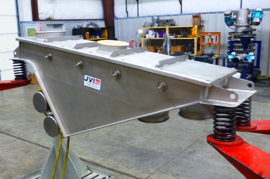 Vibrating Screen  Safety  Scalping  Jvi Vibratory Equipment-1300