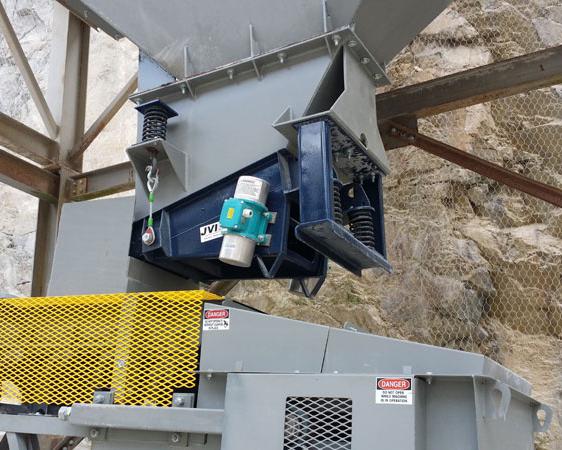 UPF Installed Full Color Electromechanical Pan Feeders,Vibratory Pan Feeder,single mass feeder,chute work,electromechanical feeder